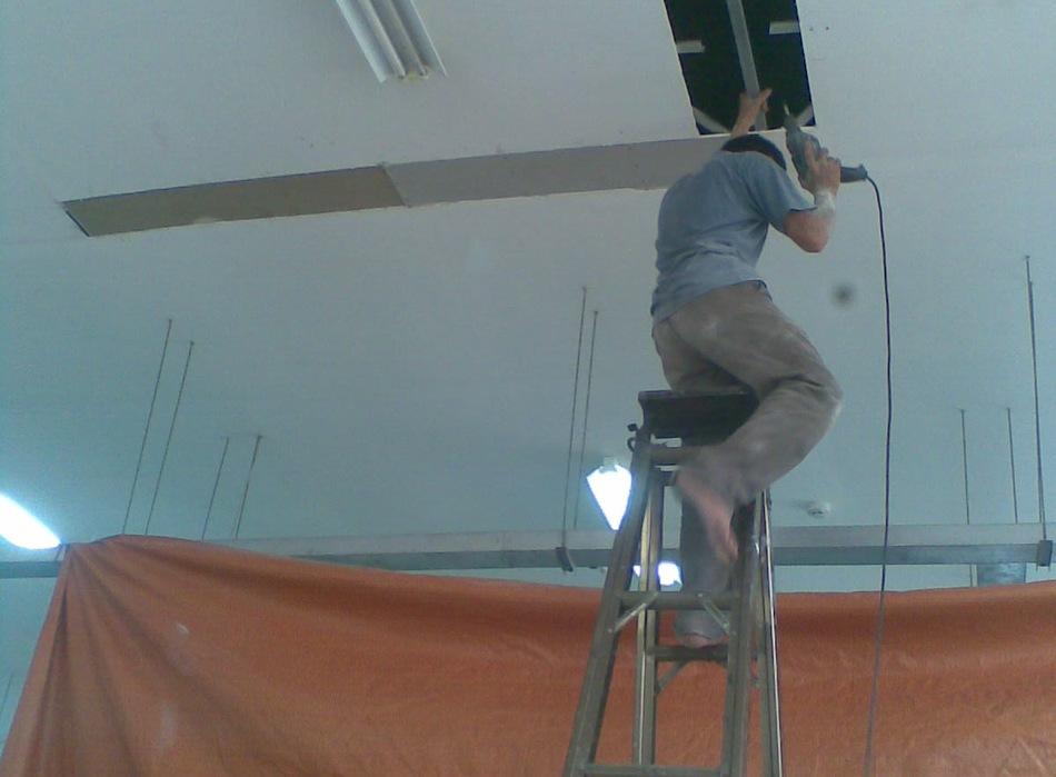 Nhận sửa chữa trần thạch cao giá rẻ ở Hà Nội